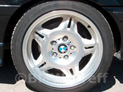 Estilo de rueda BMW 24
